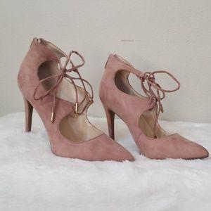 Tie pointy heels